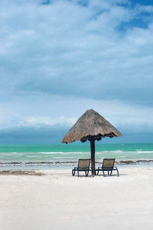 Isla Holbox, Mexico - beach umbrellas. Imagens