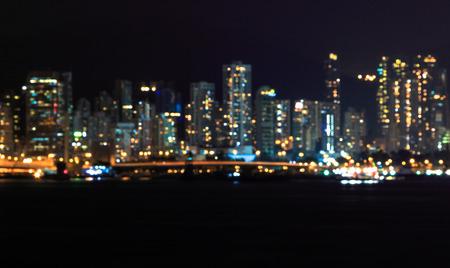 Cityscape floue bokeh lumière vue de fond pendant le crépuscule à Hong kong Banque d'images - 65458700