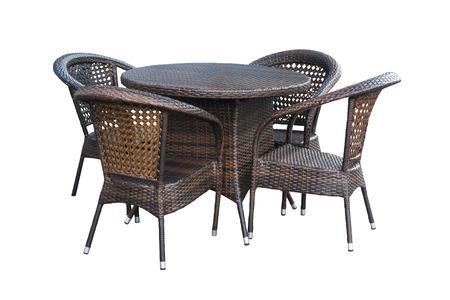 Table, chaises à l'extérieur sur fond blanc Banque d'images - 73848348