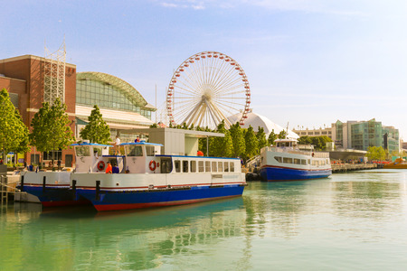navy blue: Navy pier of Chicago