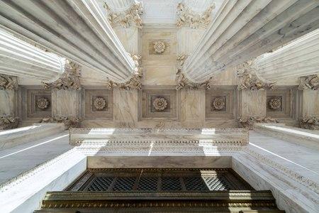 Column of Supreme Court of U.S. Imagens