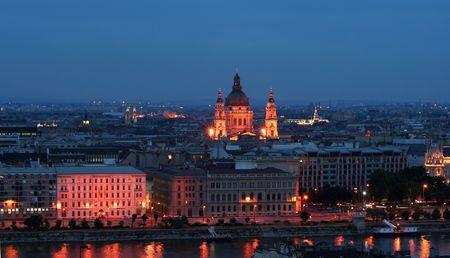 Budapest - St. Stephen Basilica (Szent Istvan Bazilika) at evening photo