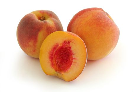 Whole and half peach (w clipping path)