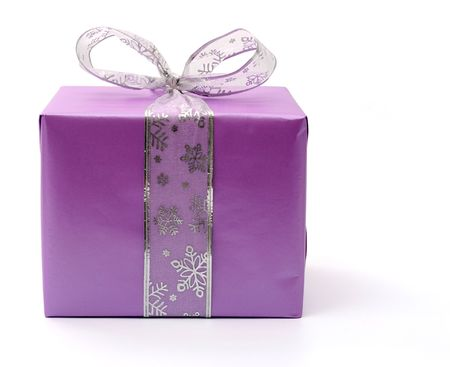 closed ribbon: Isolated purple gift box with silver ribbon