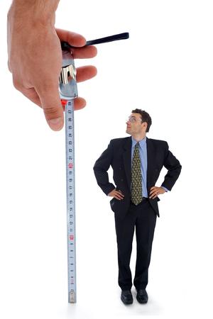 metro de medir: La medici�n de un hombre. Vista metaf�rico de una prueba antes del empleo