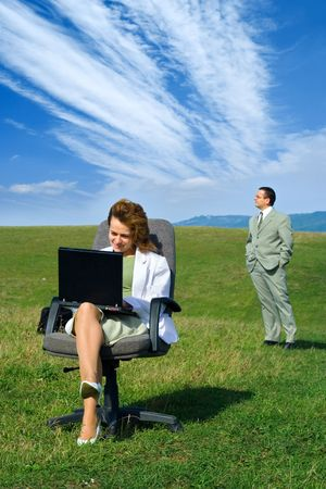 freelancers: Freelancers. Business couple working in the nature