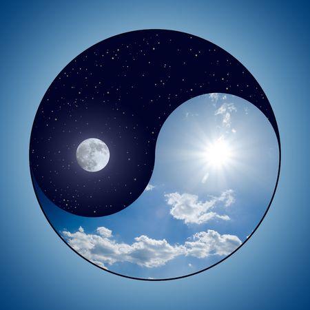 yang yin: Modificado Yin y Yang s�mbolo - d�a soleado frente a la luna en la noche