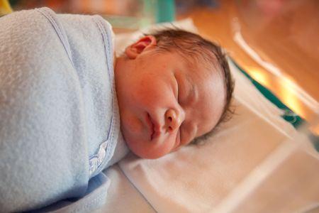 Dos horas de descanso beb� en pa�ales