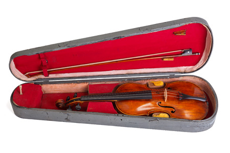 Old violin and bow in case on white background Banque d'images