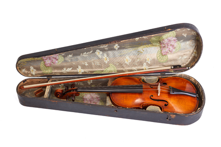 Old violin and bow in violin case on white background Banque d'images