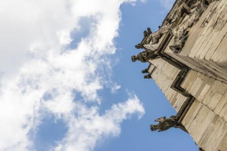 gargouilles: D�tail de la tour de gargouilles sur le toit de la cath�drale d'York, au Royaume-Uni. Le ministre remonte � 1291.