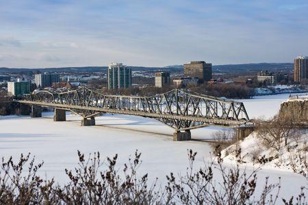 Alexandra bridge across Ottawa River, between Ottawa and Gatineau Quebec.The bridge was constructed between 1898 and 1900 Фото со стока