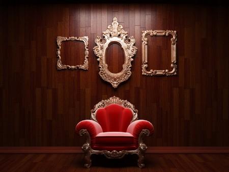 beleuchtete hölzerne Wand- und Stuhl