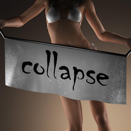 derrumbe: colapsar palabra en banner y mujer bikiny Foto de archivo