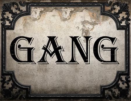 pandilleros: palabra pandillas en la pared concrette