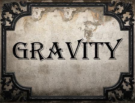 gravity: palabra gravedad en la pared concrette
