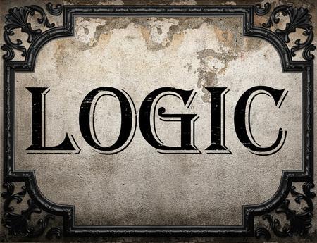 logica: palabra lógica en la pared concrette