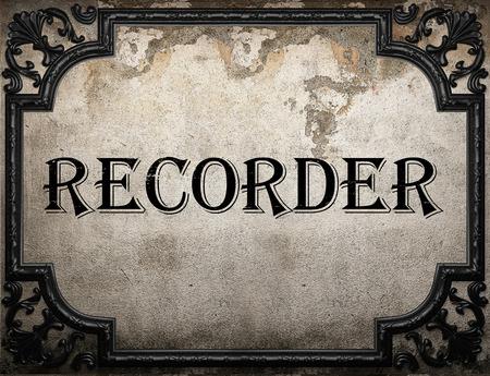 grabadora: grabadora de palabra en la pared concrette Foto de archivo