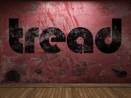 pisar: palabra de rodadura en la pared roja Foto de archivo