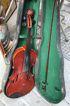 Old violin on sale