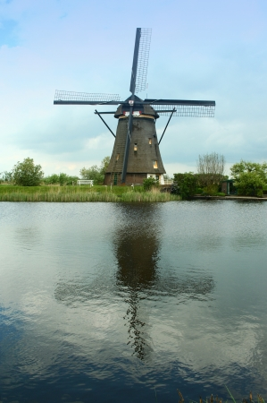 Traditional windmill in Kinderdijk, the Netherlands Stock Photo - 15652849