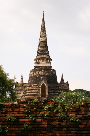An ancient pagoda in the Ayuthaya historical park, Thailand Stock Photo - 15627256