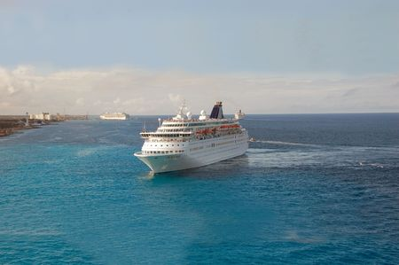 Luxury cruise liner approaching exotic port Stock Photo - 1796943
