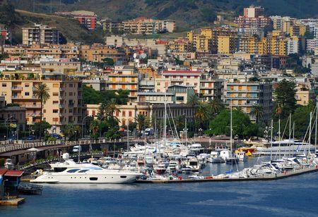 Blick von Messina Sizilien Standard-Bild - 2093221