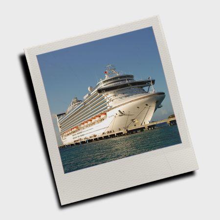 Snapshot of cruise ship photo