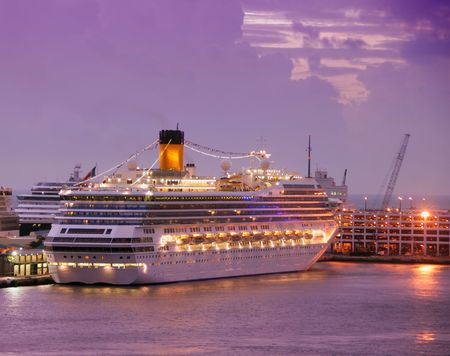 Cruise ships at dawn in fort lauderdale Stock Photo