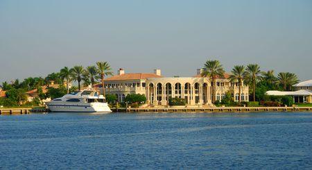 prosper: Waterfront mansion in FLorida