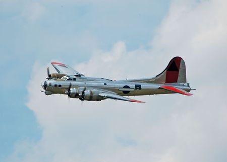 airborne vehicle: World War II era bomber
