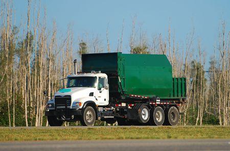 camion de basura: Color verde eliminaci�n de desechos cami�n volquete