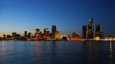 michigan: Detroit city waterfront and skyline in twilight                      Stock Photo