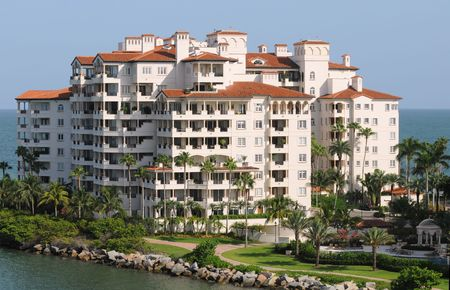 Waterfront Expensive condominiums en Floride Banque d'images