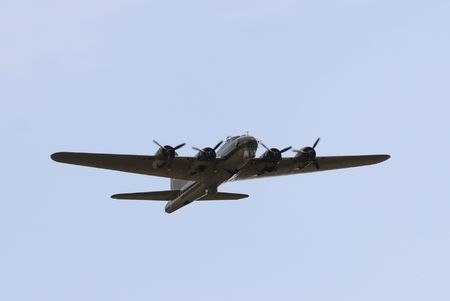 airborne vehicle: World War II era American bomber in flight