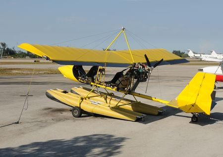 airplane ultralight: Ultralight airplane for adventure flying experience