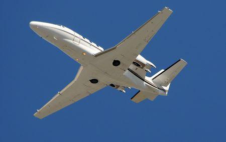 Modern privat-Jet für Charter-Reisen, die Übergabe von overhead Standard-Bild - 6293100