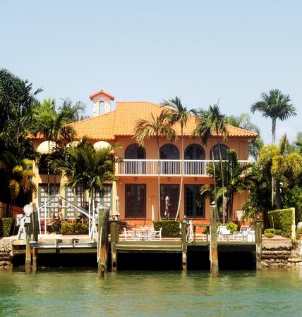 Immobilier bord de mer de luxe Banque d'images - 10678096