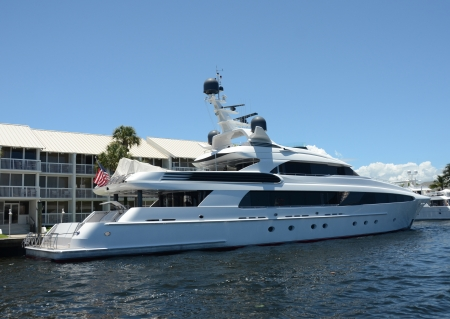 fort lauderdale: Ultraluxury yacht docked in Fort Lauderdale, Florida Editorial