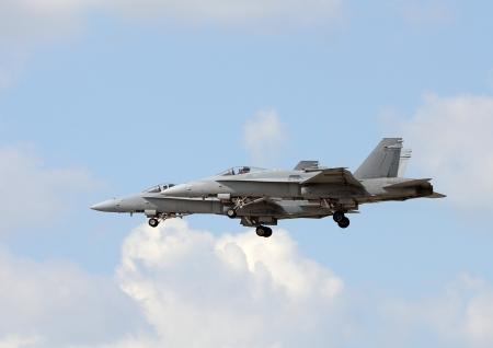 modern fighter: Due moderni aerei da combattimento della Marina decollo Editoriali