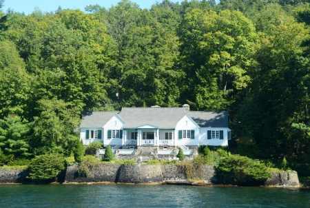 lakefront: Luxury lakefront home in Upstate New York