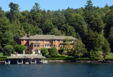 timeshare: Luxury lake front resort in Upstate New York Editorial