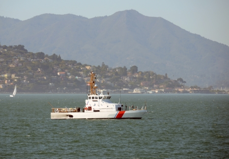 Coast Guard cutter on patrol in the San Francisco bay Reklamní fotografie