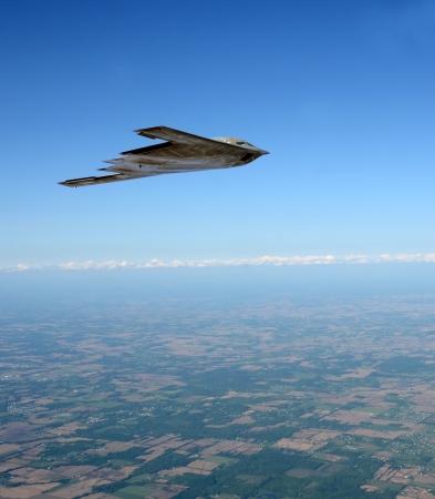 高高度で飛行最先端のステルス爆撃機