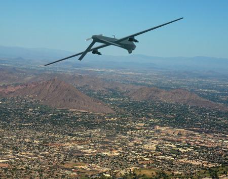 Unbemannte militärische Drohne auf Patrouille Luft-Luft-