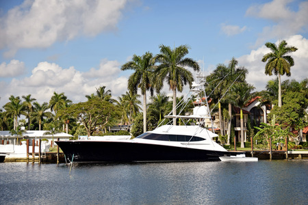 Luxury waterfront home and yacht in Fort Lauderdale, Florida