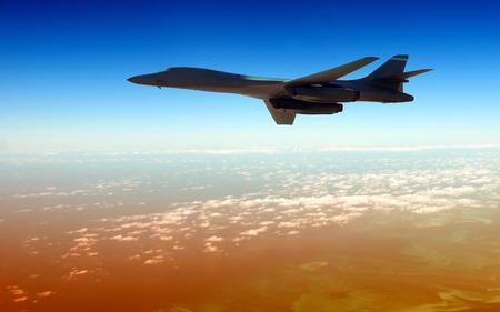 Moderne strategisch Bomber hoch in der Dämmerung fliegen