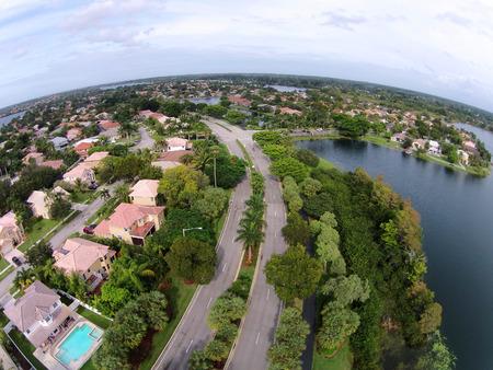 clase media: Barrio de clase media en la vista aérea de la Florida Foto de archivo