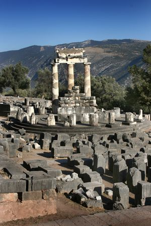 ��archeological site�: Temple of Athenea in Delphi archeological site, Pelopponese, Greece